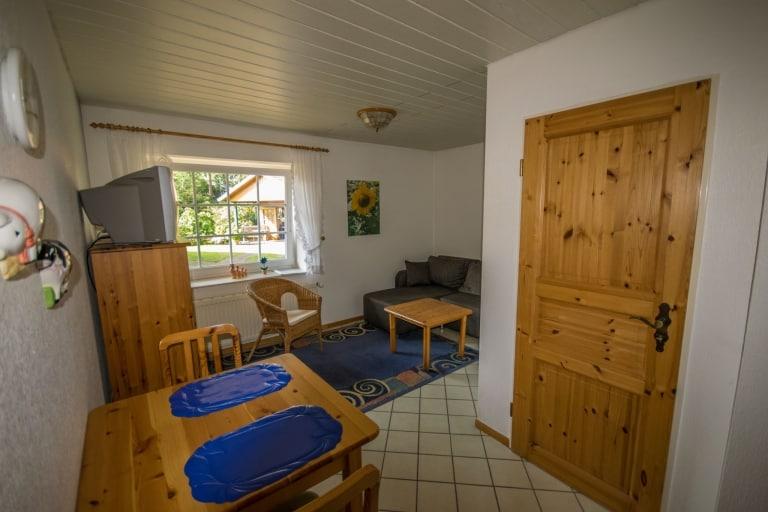Wohnzimmer, grüne Ferienwohnung, Ferienhof Lührs, Schneverdingen, Lüneburger Heide